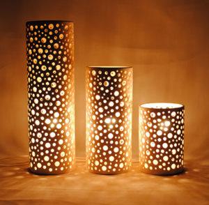 lampes-LUMINAIRES-AJOURÉS-EN-FAÏENCE-BLANCHE-Cylindres