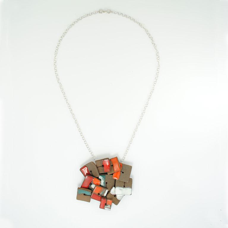 Bijoux-de-créations-céramique-broderie
